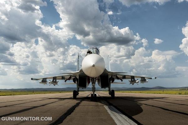آشنایی با یک جنگنده چندمنظوره روسسقف شیشهای کابین خلبان که ظرفیت دو نفر پشتسرهم را دارد زاویه دید گسترده  را در اختیار آنها میگذارد. برای هر دو خدمه صندلی پرتاب شونده در نظر گرفته  شده است ...
