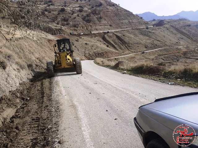 راهداری راه روستای کتا را پاکسازی کرد